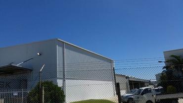 Seamless aluminium box gutters